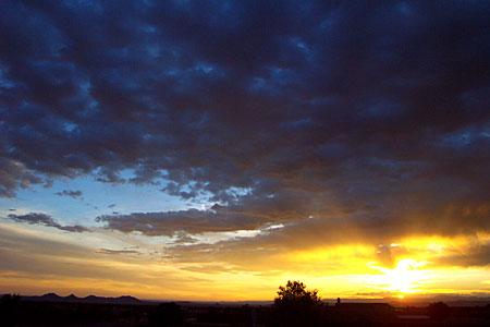 sunset, santa fe, new mexico, may 30, 2003.