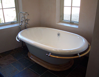 nice tub, on the parade of homes tour.